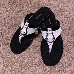 New Bandolino Black & White Sandals Size 9